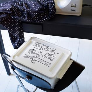 8210 Deco 12 Sewing Box w/ Lid