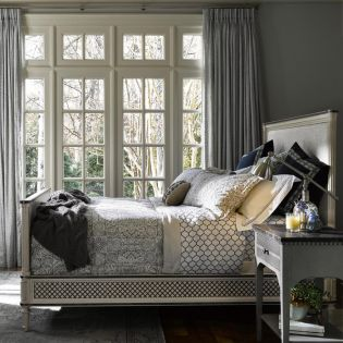 Sojourn 543A230B  Queen Bed (침대+협탁+화장대)