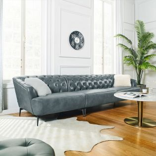 10509 Chesterfield  Leather Sofa