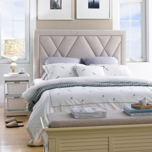 DS-D043-250K-538  Queen Panel Bed